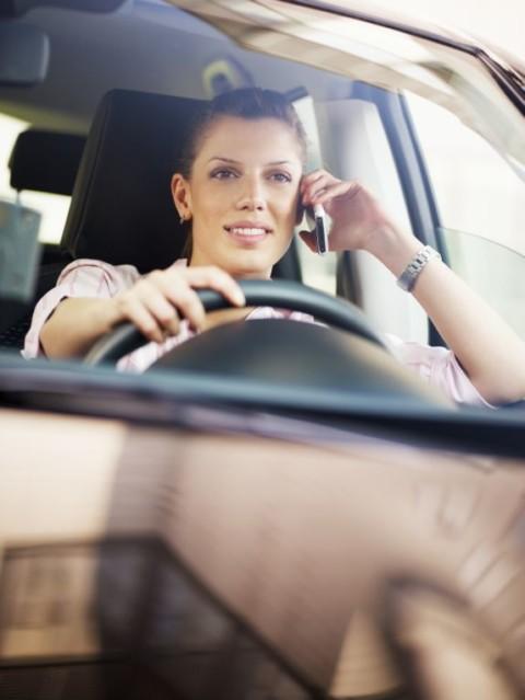 Mobilni telefon u vožnji