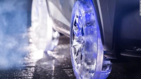 Lexus NX na impresivnim točkovima od leda